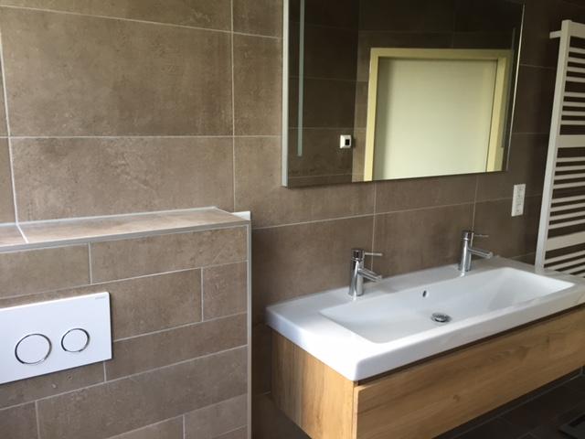 Badkamer Laten Maken : Badkamer verbouwen en of renoveren beesd onderhoudsbedrijf h vd